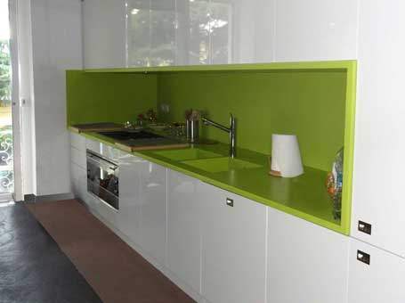 https://www.arcoarredo.com/Corian/Cucina-top-in-Corian-Verde-Green-Grape455x340.jpg
