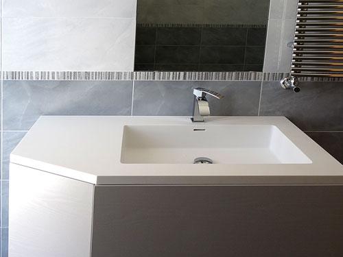 Top da bagno in corian a napoli esempi di lavabi e lavelli in corian costruiti su misura - Vasche da bagno su misura ...