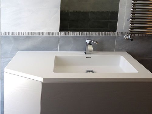 Arco arredo art design in dupont corian lavabi da - Vasche da bagno su misura ...
