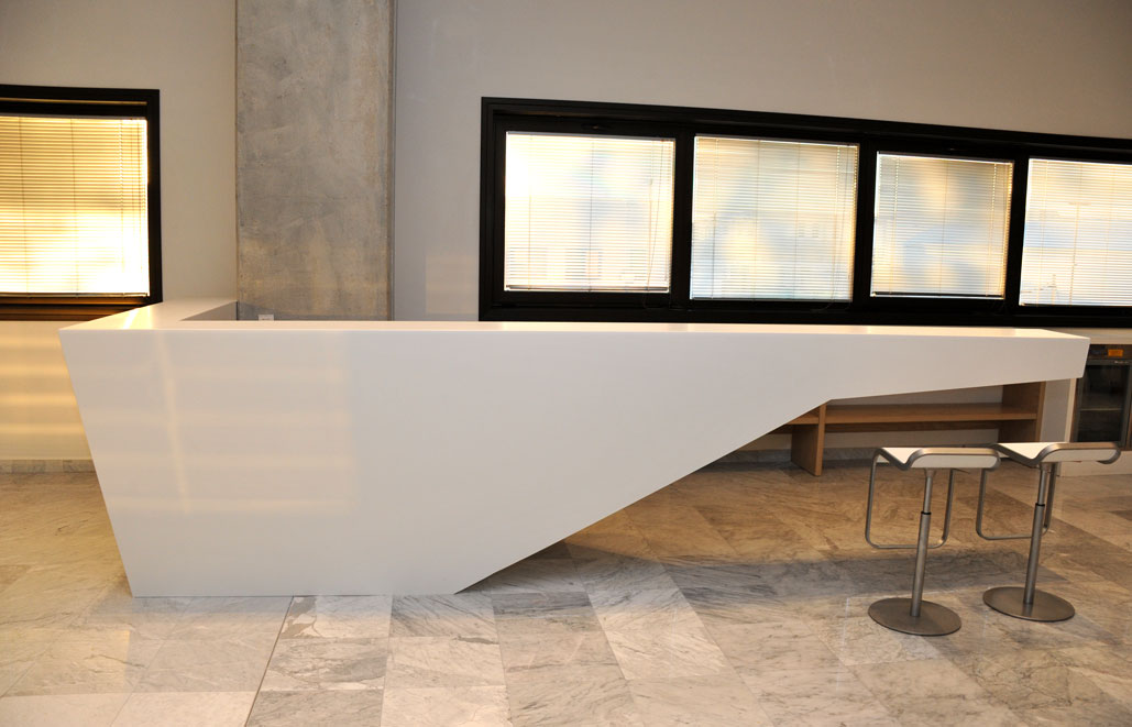 Kiton Corian desk reception