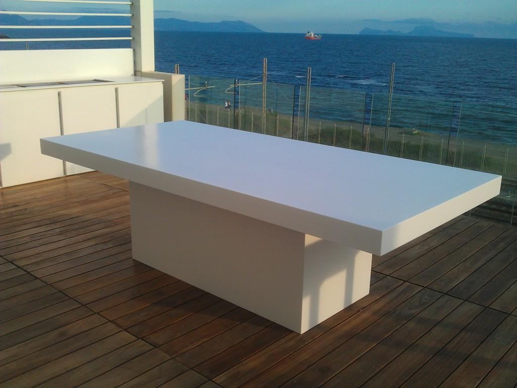 Produzione tavoli in corian napoli for Tavoli x esterno